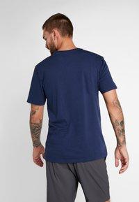 Burton - CLASSIC MOUNTAIN HIGH - Print T-shirt - dress blue - 2