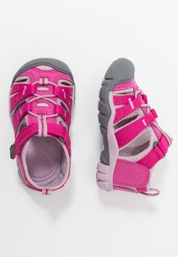 SEACAMP II CNX - Walking sandals - very berry/dawn pink