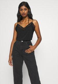 Miss Selfridge Petite - ARLO - Jeans Skinny Fit - black - 3