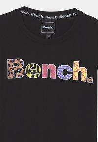 Bench - MASI - Robe en jersey - black - 2