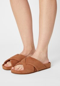 Who What Wear - ALLIE - Mules - camel - 0