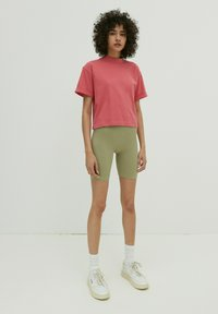 EDITED - LOUNA - Print T-shirt - beere - 1