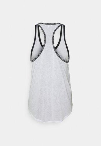 CORE LOGO TAPE TOP - Pyjamasoverdel - classic white