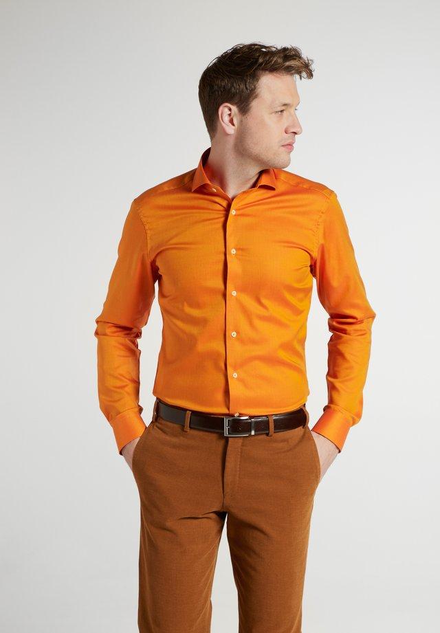 Chemise classique - orange