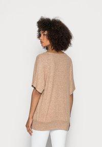 Soyaconcept - SC-BIARA 70 - Print T-shirt - sand melange - 2