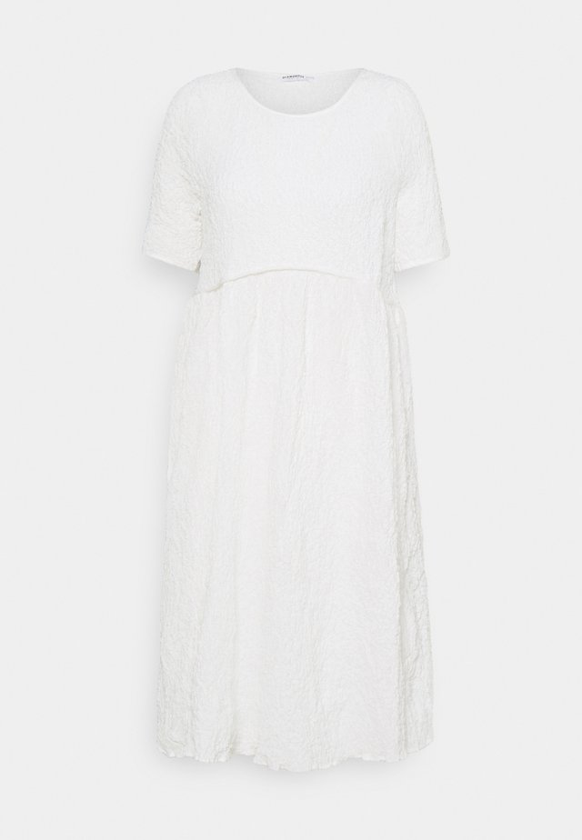 TIERED MIDAMI DRESSES WITH 1/2 SLEEVES AND ROUND NECKLINE - Korte jurk - temtured white
