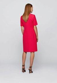 BOSS - DAORSA - Etui-jurk - pink - 2