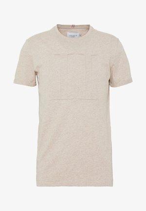 EMBOSSED ENCORE  - T-paita - light brown melange
