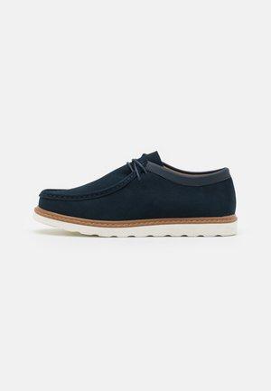 CALVIN SPORTS SOLE - Volnočasové šněrovací boty - navy