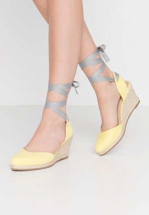 SLING BACK - Espadrilky - lemon