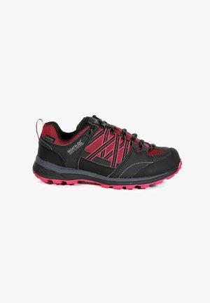 Hiking shoes - dkcerise/ash