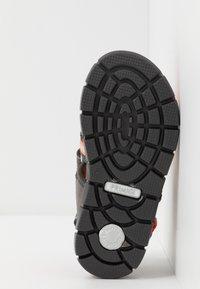 Primigi - Walking sandals - grigio/antracite - 5