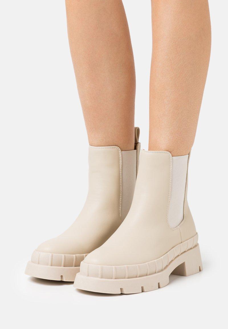 RAID - TURNER - Platform ankle boots - offwhite