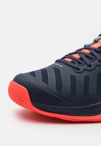 Head - SPRINT TEAM 3.0 CLAY - Tenisové boty na antuku - dress blue/neon red - 5