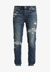 American Eagle - MEDIUM DESTROY TOMGIRL - Jeans slim fit - vintage star - 3