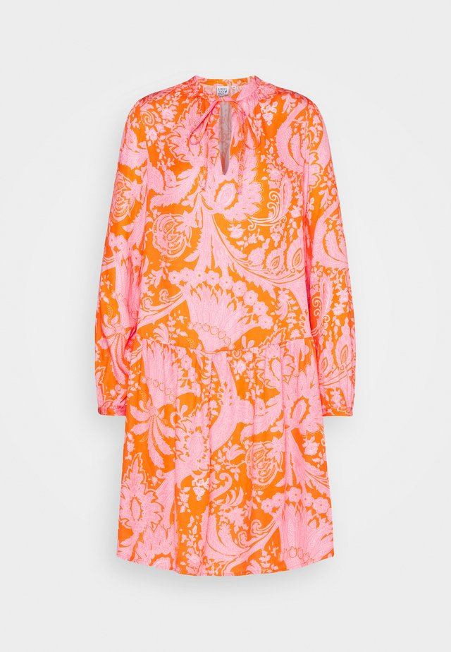 Robe d'été - orange/pink