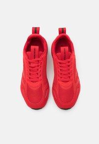 Emporio Armani - Sneakersy niskie - red - 3