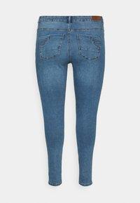 Vero Moda Curve - VMSOPHIA  - Jeans Skinny Fit - medium-blue denim - 1