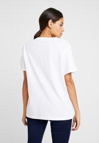 Ted Baker - LINDIAA - Print T-shirt - white - 2