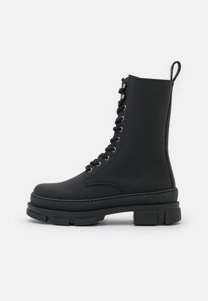 LUCY BOOT - Snørestøvletter - black