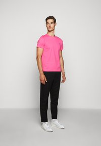 Polo Ralph Lauren - SHORT SLEEVE - T-shirt basic - blaze knockout pink - 1