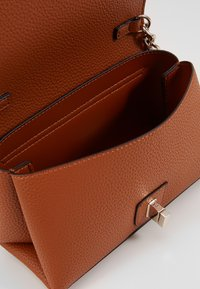 Guess - UPTOWN CHIC MINI XBODY FLAP - Borsa a tracolla - cognac - 5