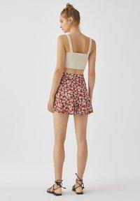 PULL&BEAR - MIT BLUMENPRINT - A-line skirt - light brown - 2