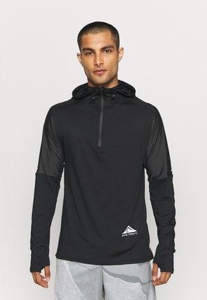 TRAIL HOODIE - T-shirt de sport - black/dark smoke grey/white