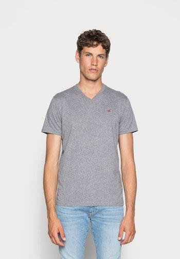3 PACK - T-shirt - bas - black/white/grey
