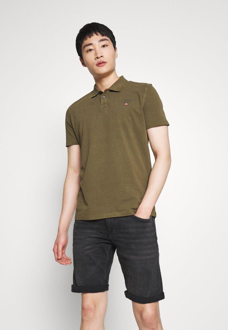 Napapijri - ELLI - Polo shirt - green way