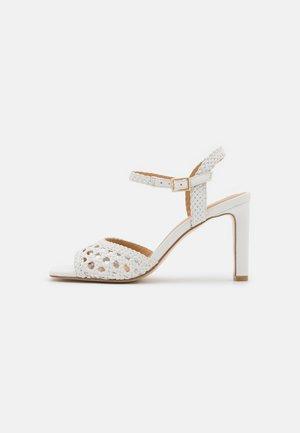 Sandaler - blanc