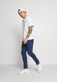 Wrangler - LARSTON - Jeans slim fit - indigo rules - 1