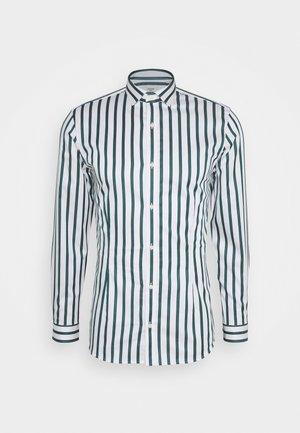 JPRBLAPARMA TREND STRIPE - Skjorter - white