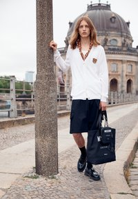 MOSCHINO - SHOULDER BAG UNISEX - Across body bag - black - 2