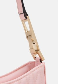 Guess - LAYLA TOP ZIP SHOULDER - Handbag - pink - 3