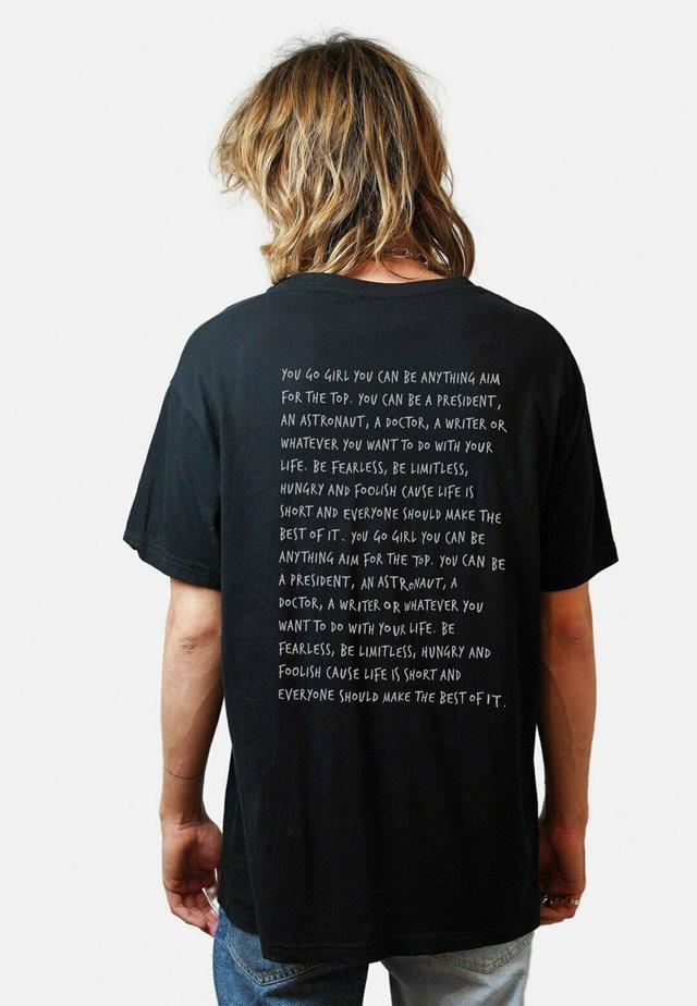 MI AMOR  - T-shirt med print - black