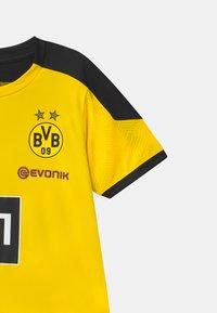 Puma - BVB BORUSSIA DORTMUND TRAINING UNISEX - Club wear - cyber yellow/puma black - 2