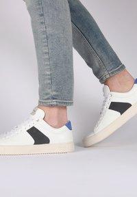 Blackstone - Sneakers - white navy - 2