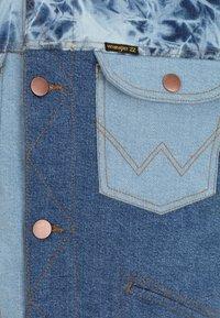 Billabong - BILLABONG X WRANGLER TEAM RANCH MIXUP  - Denim jacket - salt - 2