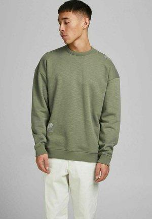 Sweatshirt - deep lichen green