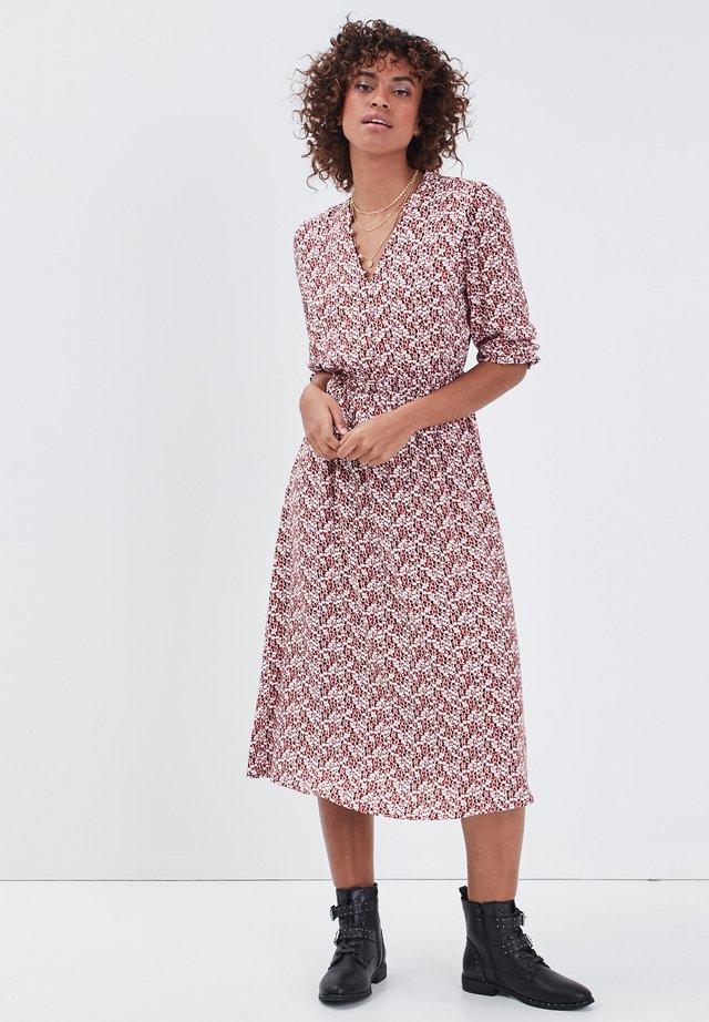 UMWELTFREUNDLICHES - Korte jurk - bordeaux