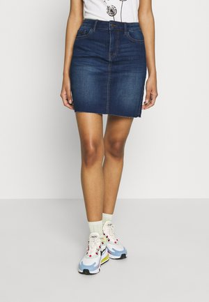VMSEVEN SHORT CUT OFF SKIRT - Denimová sukně - medium blue denim