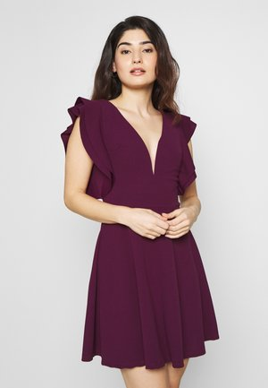 FRILL SLEEVES V NECK FIT AND FLARE DRESS - Denní šaty - plum