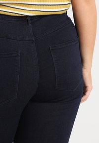 ONLY Carmakoma - CARSTORM - Jeans Skinny Fit - dark blue denim - 3
