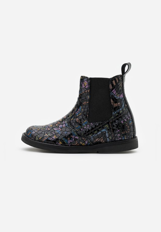 CHELYS NARROW FIT - Classic ankle boots - black