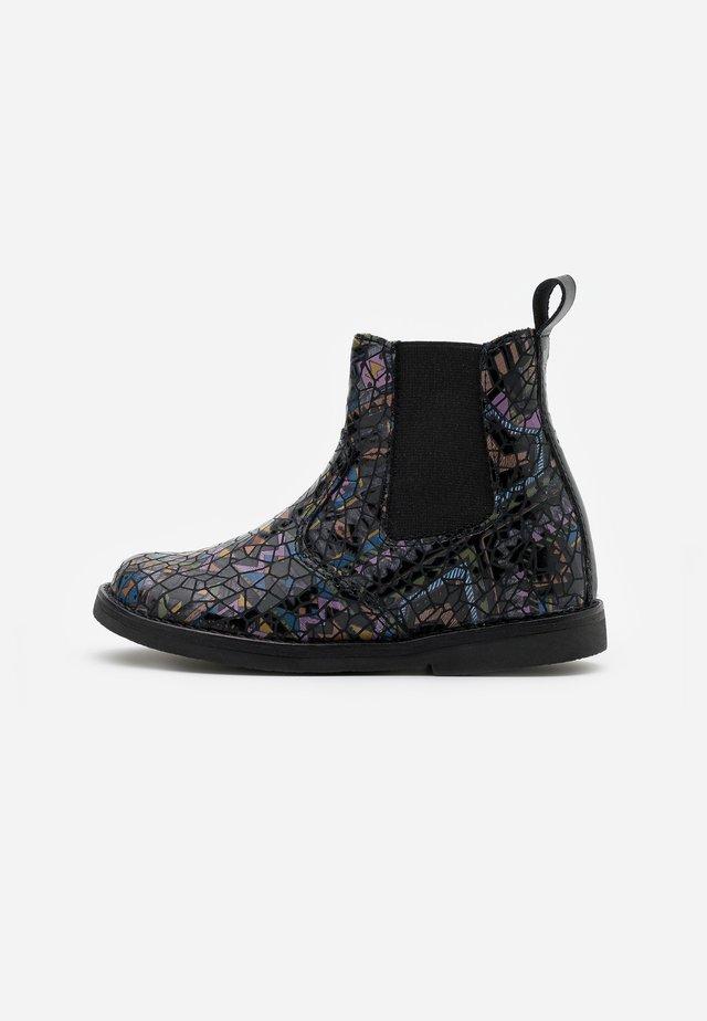CHELYS NARROW FIT - Støvletter - black