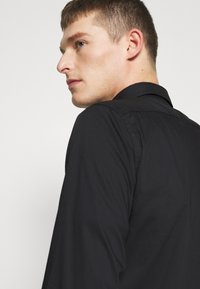 Benetton - BASIC - Formal shirt - black - 4