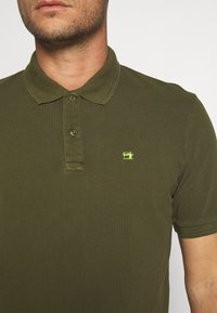 Scotch & Soda - CLASSIC GARMENT DYED  - Poloshirt - army - 5