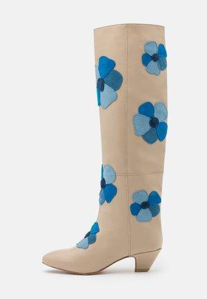 HIPPIE BOOT  - Vysoká obuv - fancy pancy