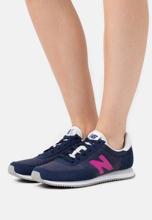 WL720 - Trainers - navy